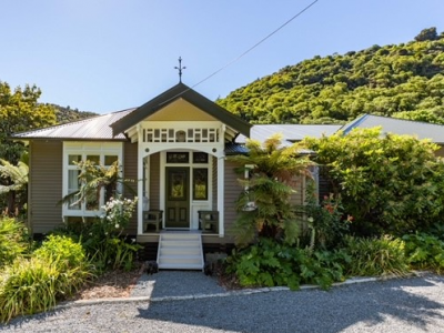 The owners of this Banks Peninsula villa were inspired by nature with their Resene makeover