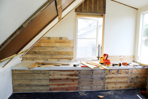 how to make a distressed timber wall, re-decorating loft, rustic loft, diy ideas