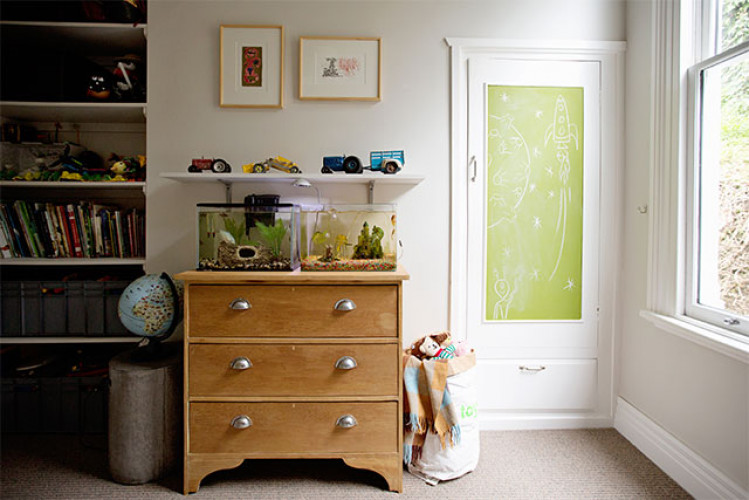 dresser inspo, dressing table, green door, kids bedroom, resene, fish tanks, bedroom fish tank inspo