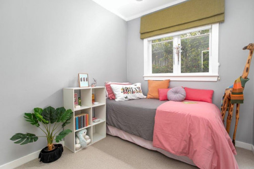 neutral kids bedroom