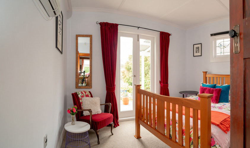 Red Curtains, Light Blue Interiors, Colourful Bedding, Retro Interiors
